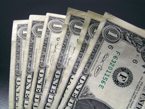 Mengais Uang dari FocalPrice